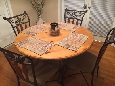 Ashley Furniture, GUC round table w/4 chairs