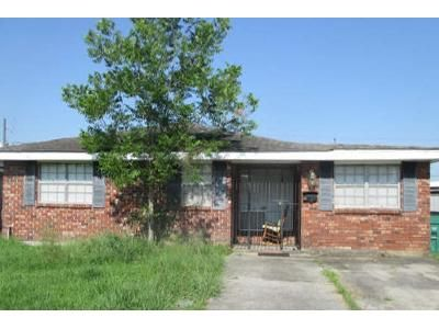 3 Bed 2 Bath Foreclosure Property in Harvey, LA 70058 - Dogwood Dr