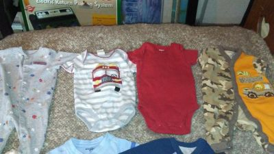 Infant clothing lot size 0-3 months