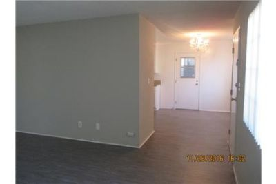 Beautiful 2 bedroom 1 bath Duplex in with Washer Hook Ups