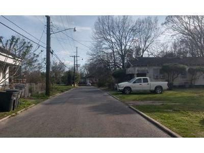 3 Bed 1 Bath Foreclosure Property in Baton Rouge, LA 70802 - S 12th St