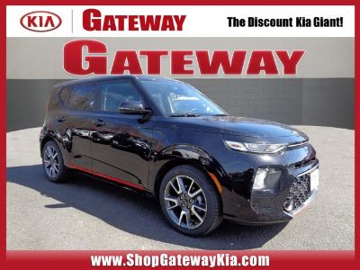 2020 Kia Soul (Cherry Black)