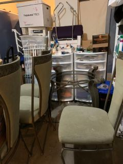 Free Dining Base table and chairs