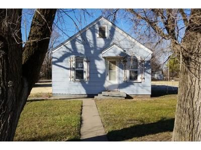 2 Bed 1 Bath Preforeclosure Property in Newton, KS 67114 - S Duncan St