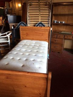 Twin Sleigh Bed W/Pillowtop Mattress Set