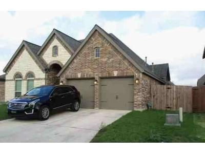 4 Bed 3 Bath Foreclosure Property in San Antonio, TX 78233 - Purple Martin