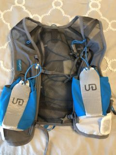 New Ultimate Direction vest for running size small