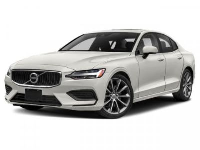 2019 Volvo S60 Momentum (Birch Light Metallic)