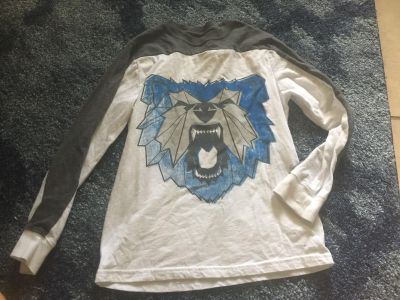 Cat and Jack shirt size M