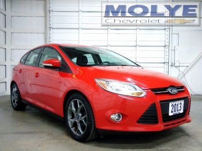 2013 Ford Focus SE (Race Red)