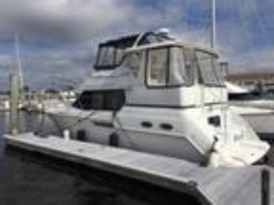 35' Carver 356 Aft Cabin Motor Yacht 2000