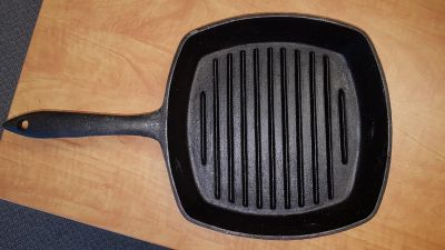 "large 10"" square Lagostina cast iron grill skillet / frying pan, needs a bit of cleaning"