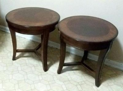 (2) MAHOGONY SIDE TABLES.....EXCELLENT CONDITION