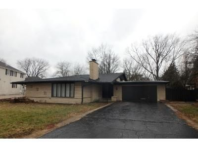 3 Bed 2 Bath Foreclosure Property in Palos Heights, IL 60463 - W Navajo Dr
