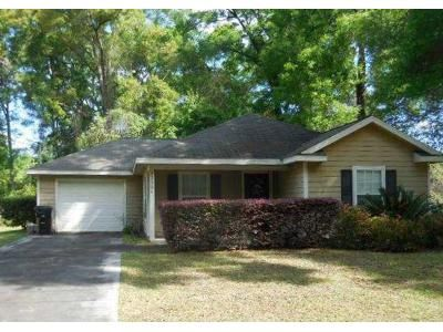 3 Bed 2 Bath Foreclosure Property in High Springs, FL 32643 - NW 176th Pl