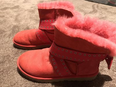 Ugg girls women's snow winter boots size 7 red