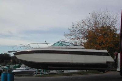 1986 Chris Craft 332 Commander