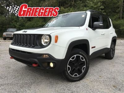 2015 Jeep Renegade Trailhawk (Alpine White)