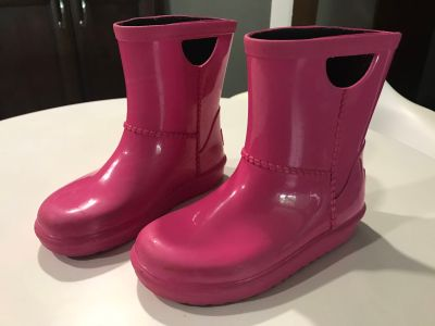 Toddler ugg rain boots size 10