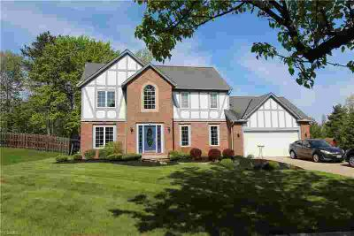 10060 Ridgeline Dr North Royalton Five BR, Wonderful Royal