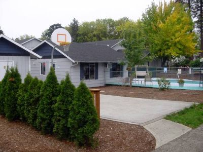 3br Cottage Unit - WD hook up in unit, Water, Sewer & Garbage paid