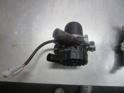 Sell TM003 TOYOTA TUNDRA 4.7 2UZ AIR INJECTOR PUMP motorcycle in Arvada, Colorado, United States, for US $75.00