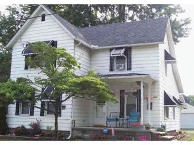 3 Bed 2 Bath Foreclosure Property in Amherst, OH 44001 - Pearl St