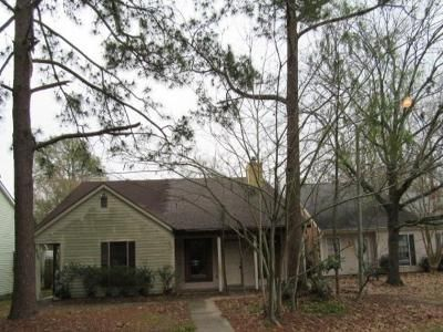 2 Bed 2 Bath Foreclosure Property in Baton Rouge, LA 70817 - Cumberland Cove Dr