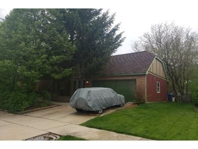 3 Bath Preforeclosure Property in Lisle, IL 60532 - Coach House Rd