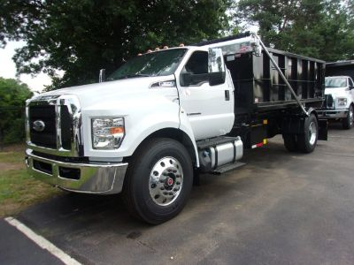 2017 Ford F650 Super Duty dump body (Oxford White Clearcoat)