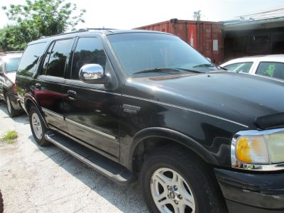 2002 Ford Expedition XLT (Black)