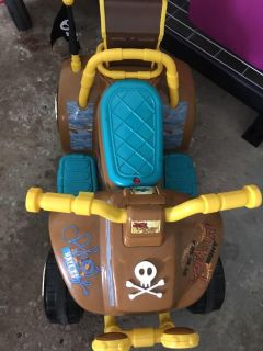 Pirate ride on motor toy