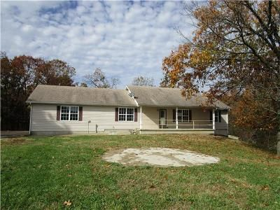 3 Bed 2 Bath Foreclosure Property in Bolivar, MO 65613 - S 102nd Rd