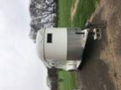 Two Horse Bumper Trailer With Dressing Room Sturdy