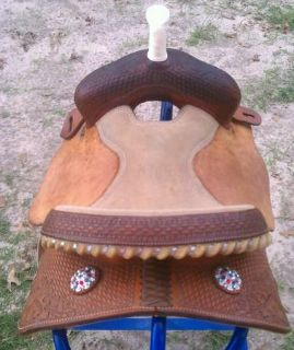 Pretty 13.5 BARREL SADDLE