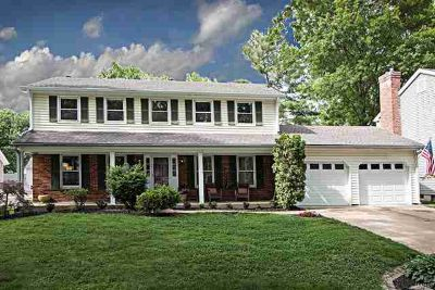 15759 Carriage Hill Drive CHESTERFIELD, 2 story
