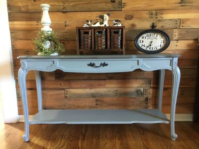 French provincial entry way/ sofa table