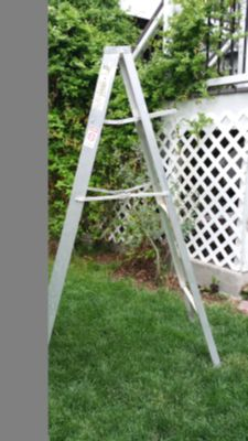 6' tall aluminum ladder