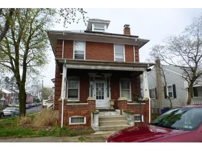 2 Bed 2 Bath Preforeclosure Property in Reading, PA 19605 - Raymond St