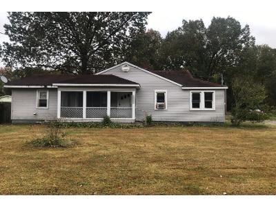 2 Bed 1 Bath Foreclosure Property in Paducah, KY 42003 - Oaks Rd