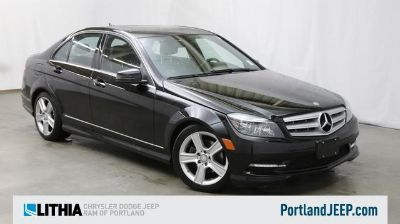 2011 Mercedes-Benz C-Class C300 4MATIC Sport (Obsidian Black Metallic)