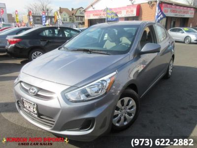 2017 Hyundai Accent SE Sedan Auto (Sandstone Gray)