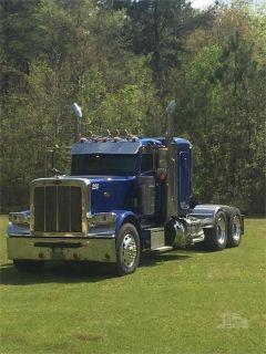 2015 Peterbilt 389 Commercial Semi Truck