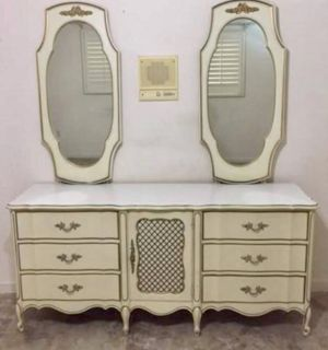 King Louis XV French provincial dresser with 2 mirrors