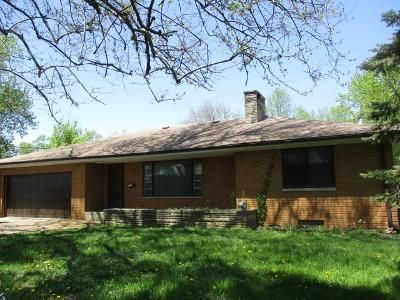 3 Bed 1 Bath Foreclosure Property in Peoria, IL 61615 - E Fairview St