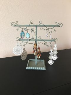 Earring Tree With 5 Sets of Earrings