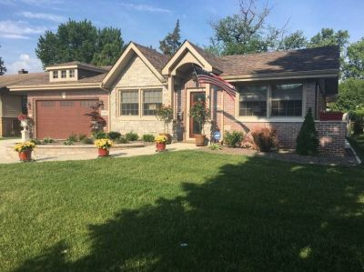$3800 4 single-family home in South Suburbs