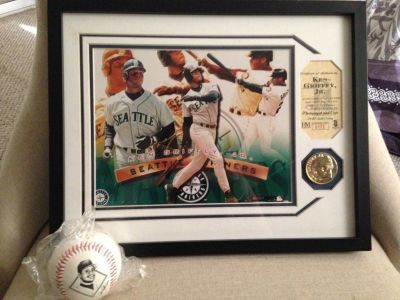 "*** BEAUTIFULLY FRAMED (11"" x 14"") KEN GRIFFEY JR. COLOR PHOTO, COIN / COA and Fotoball ******"