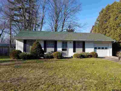 9 Spa Dr Saratoga Springs, First time rental with many