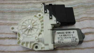 Purchase 99-05 VW JETTA REAR LEFT DOOR POWER WINDOW MOTOR 00 01 02 03 04 05 motorcycle in Cumming, Georgia, United States, for US $49.99
